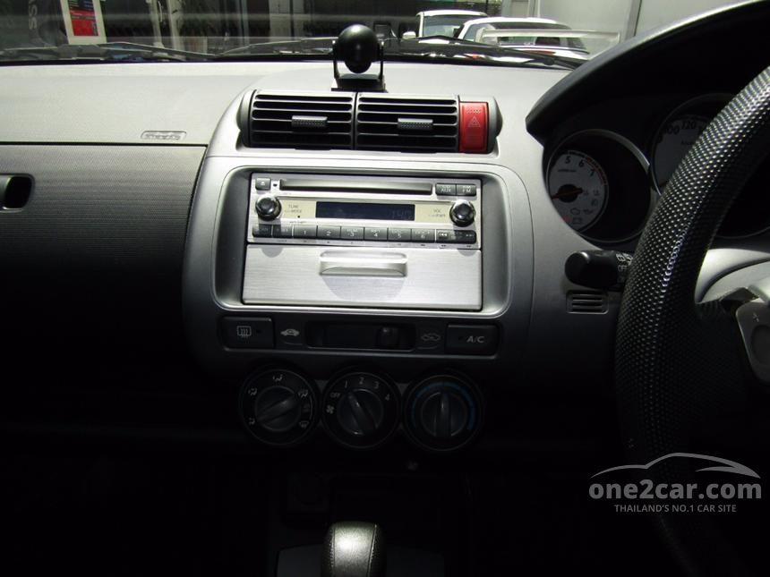 2004 Honda Jazz E-V Hatchback