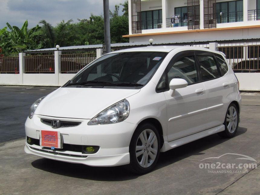 2004 Honda Jazz E-V Hatchback