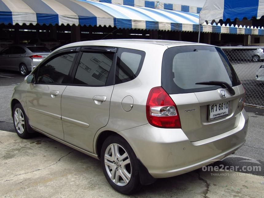 2005 Honda Jazz E-V Hatchback