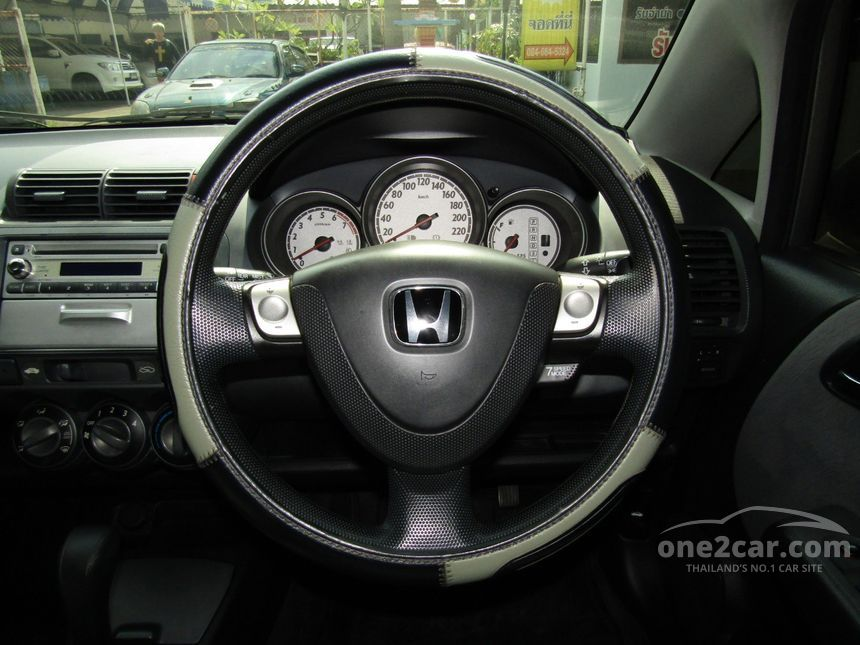 2005 Honda Jazz S Hatchback