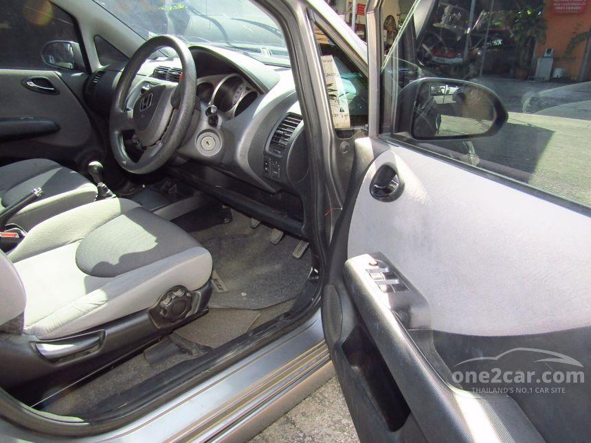 2006 Honda Jazz S Hatchback