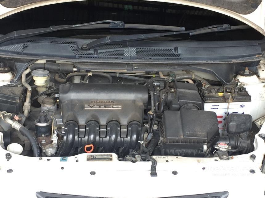 2004 Honda Jazz S Hatchback