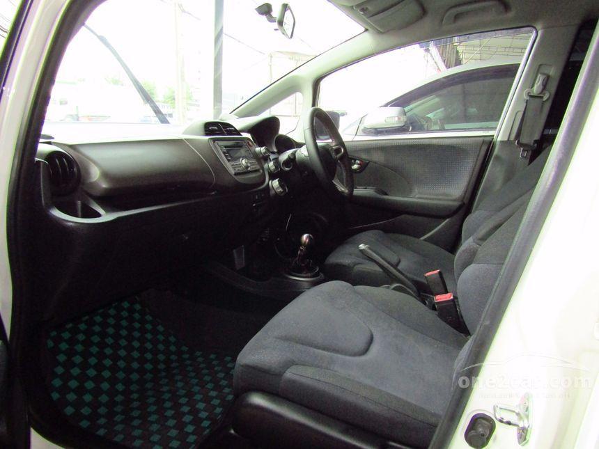 2010 Honda Jazz S Hatchback