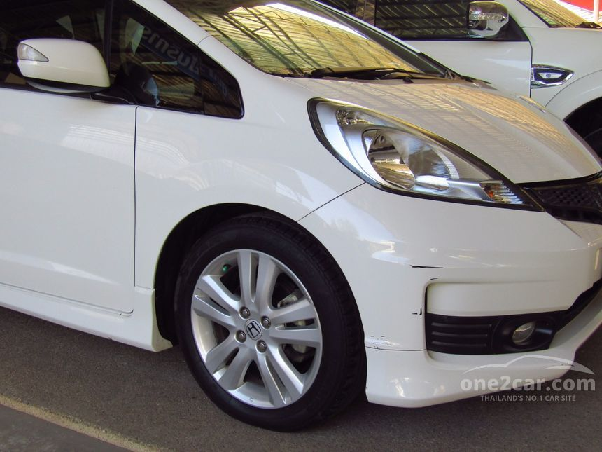 2011 Honda Jazz SV Hatchback