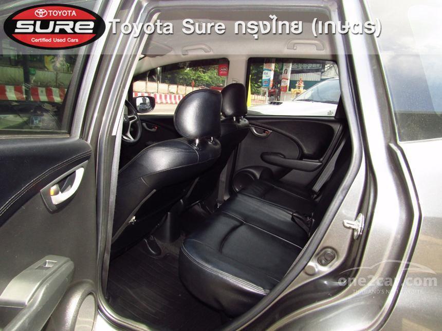 2013 Honda Jazz SV Hatchback