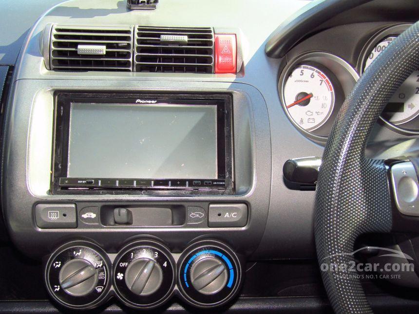 2006 Honda Jazz V Hatchback