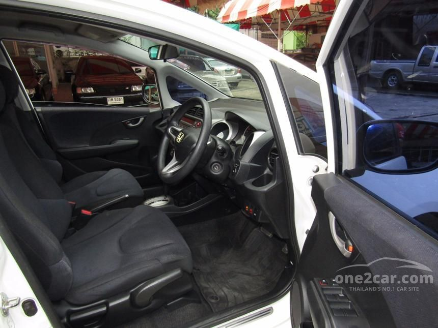 2010 Honda Jazz V Hatchback