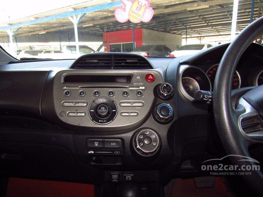 2008 Honda Jazz V Hatchback