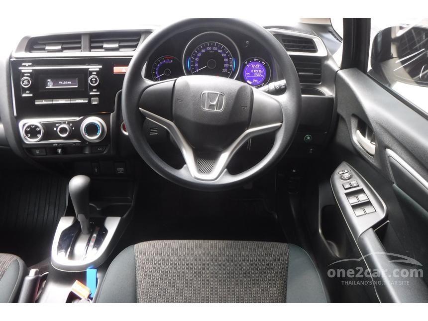 2015 Honda Jazz V Hatchback
