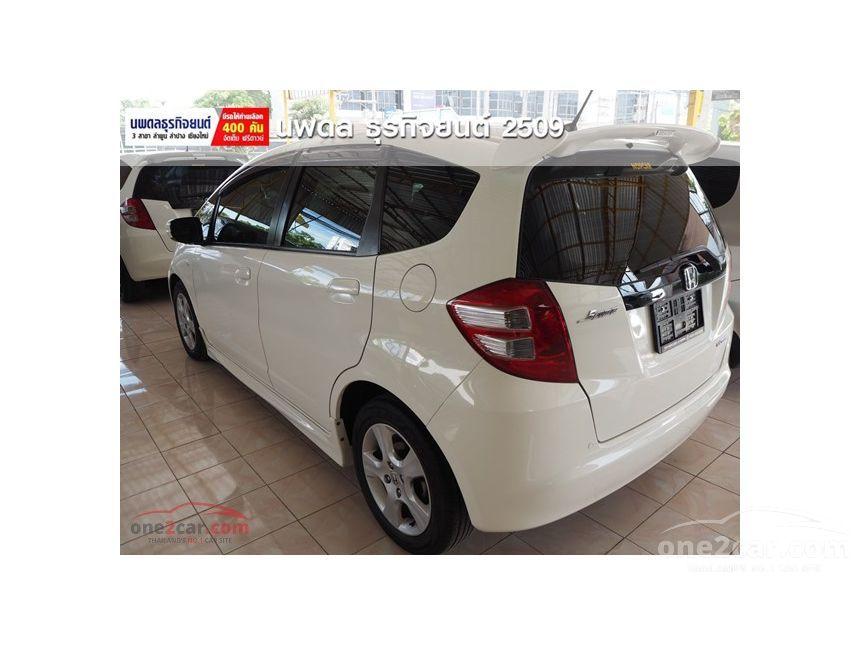 2010 Honda Jazz V Hatchback