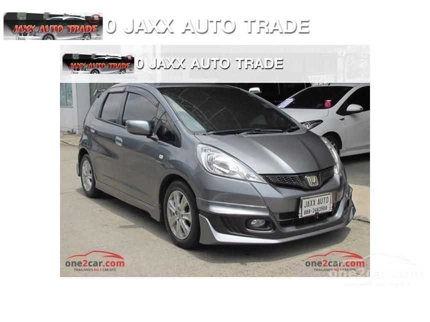 2011 Honda Jazz V Hatchback