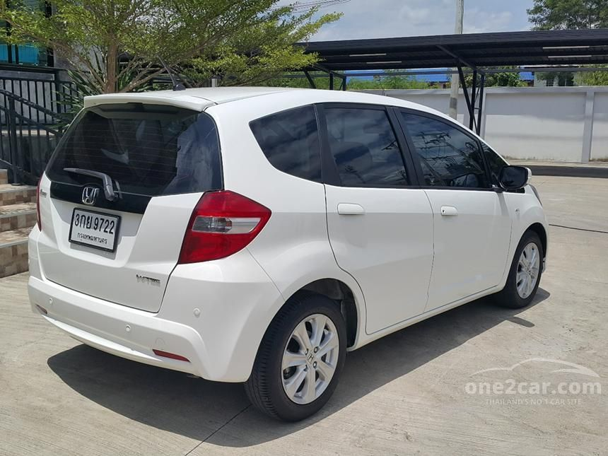 2014 Honda Jazz V Hatchback