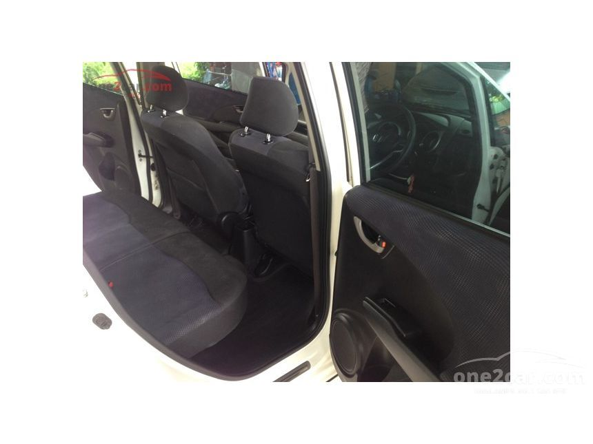 2012 Honda Jazz V Hatchback