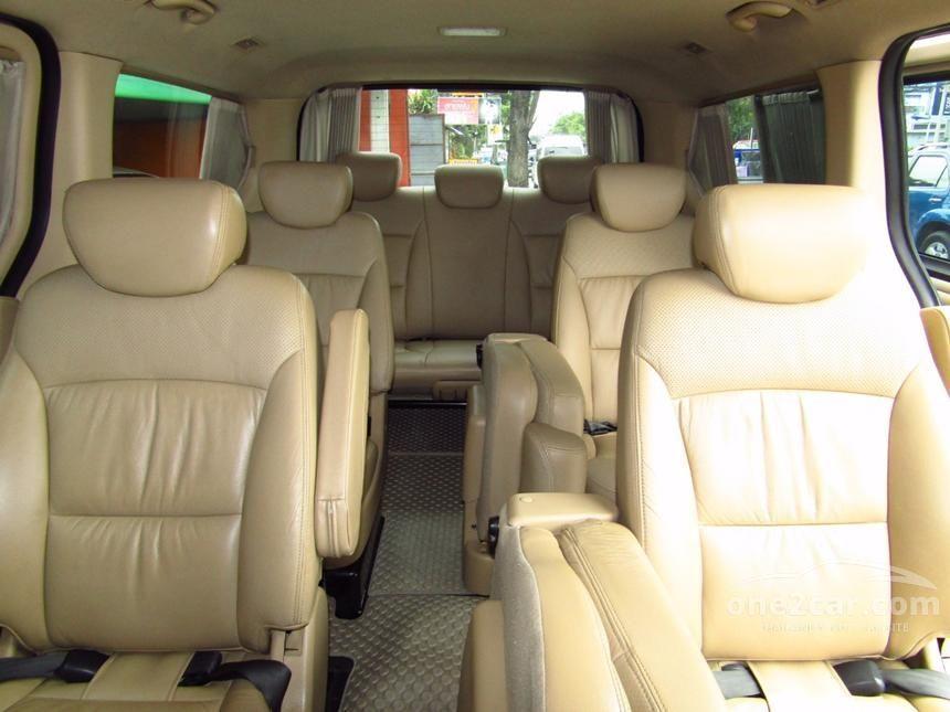 2010 Hyundai H-1 Deluxe Van