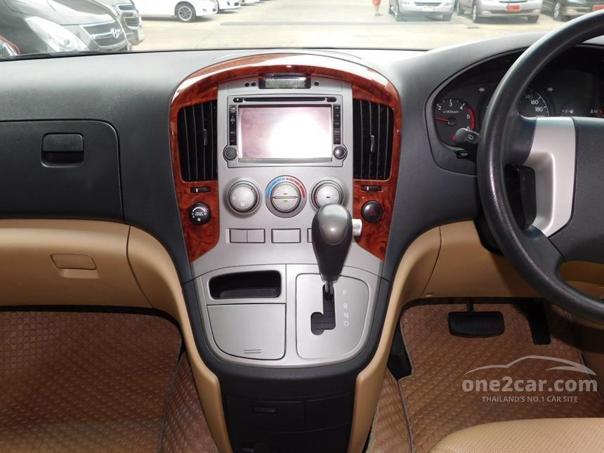 2011 Hyundai H-1 Deluxe Van