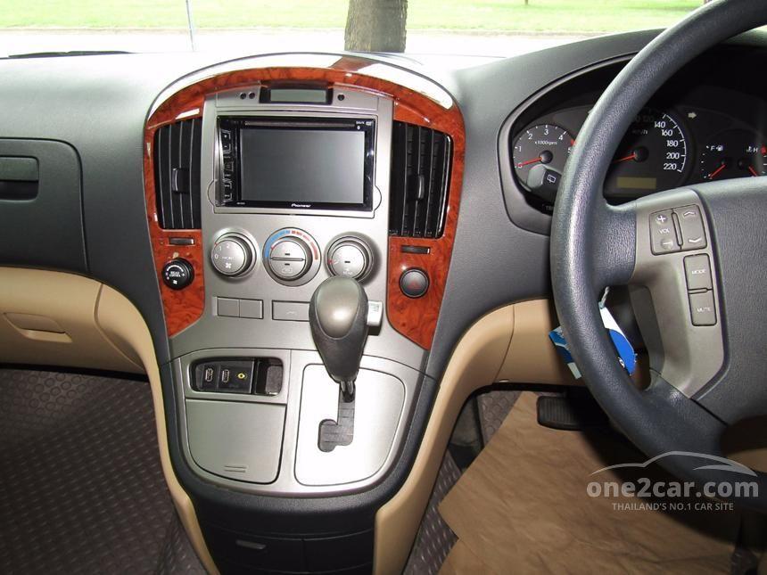 2012 Hyundai H-1 Deluxe Van