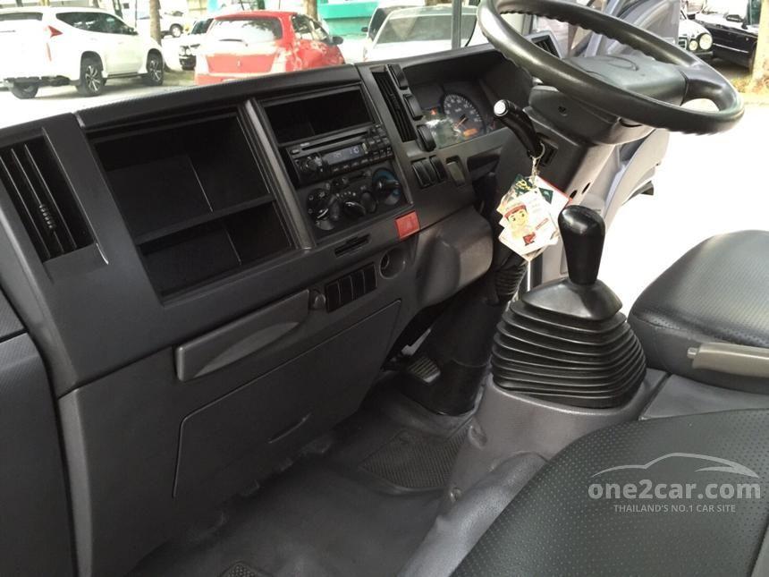 2010 Isuzu ELF NLR Truck