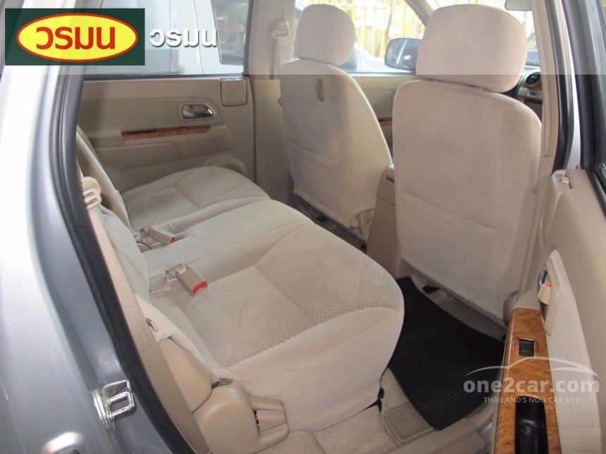 2010 Isuzu MU-7 Primo SUV