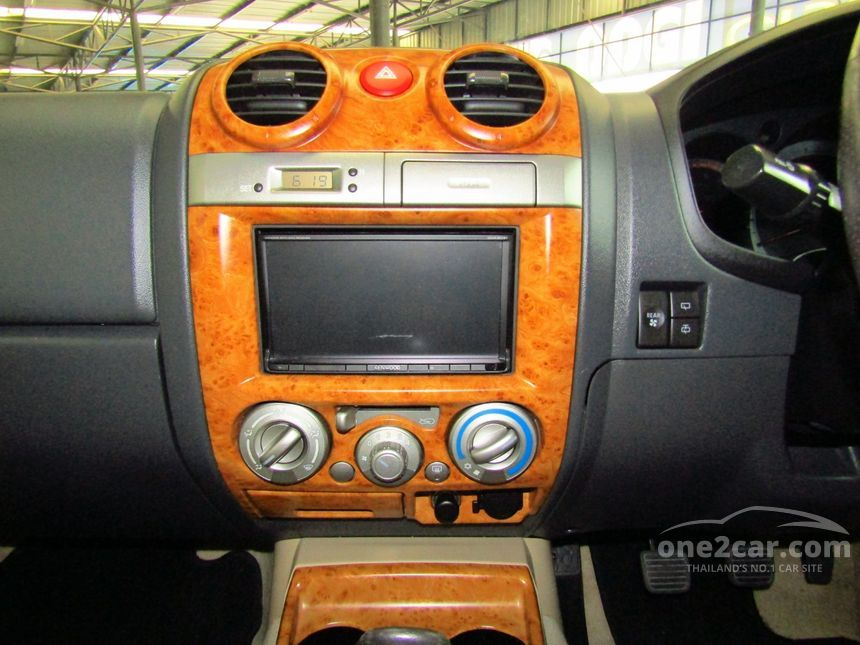 2012 Isuzu MU-7 Primo SUV