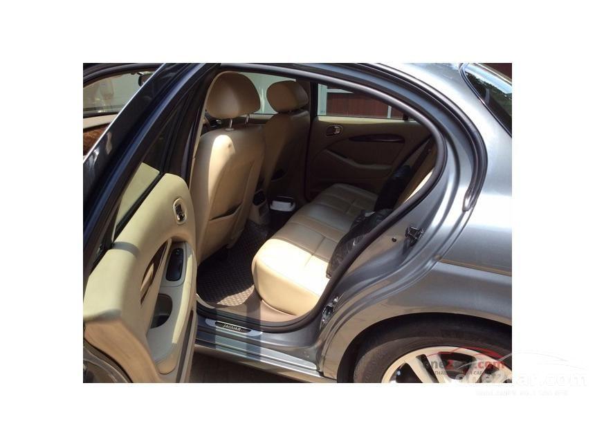 2007 Jaguar S-Type Luxury Sedan