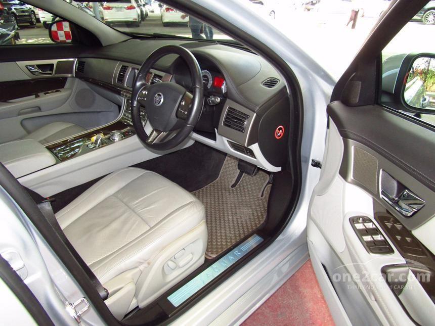 2009 Jaguar XF Premium Sedan