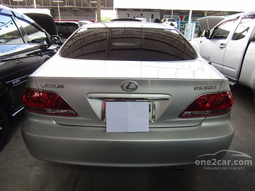 2005 Lexus ES300 Luxury Sedan