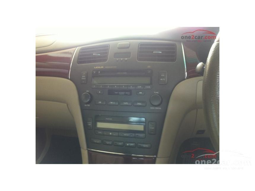2004 Lexus ES300 Luxury Sedan
