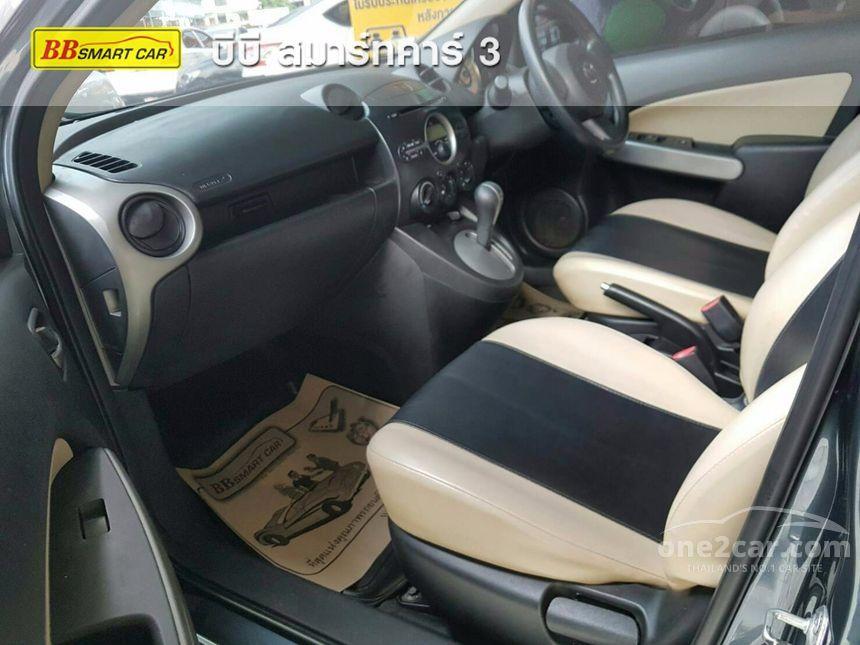 2010 Mazda 2 Groove Sedan