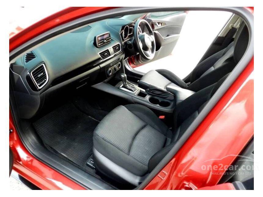 2015 Mazda 3 E Hatchback