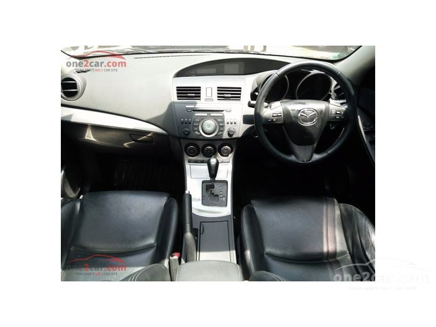 2013 Mazda 3 Maxx Hatchback