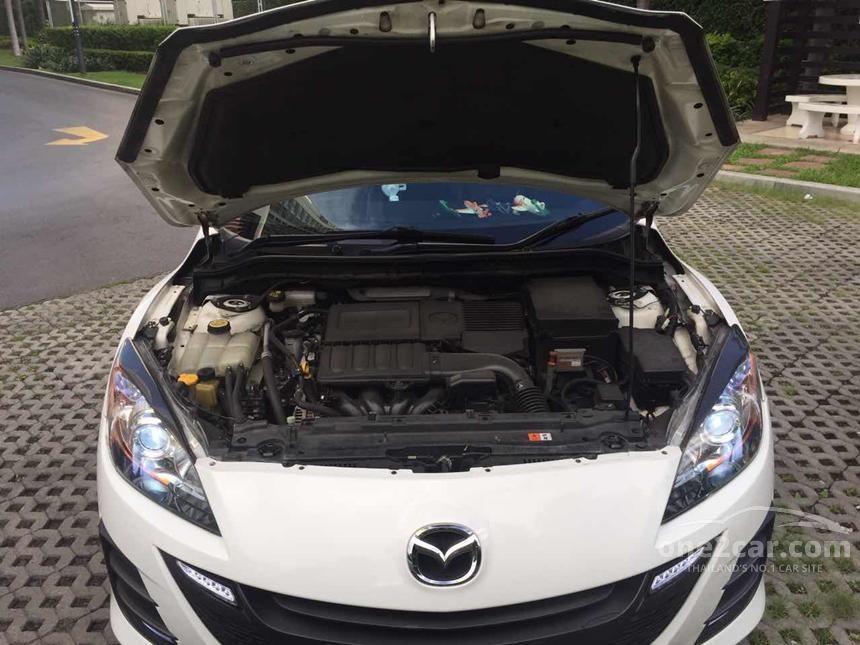 2013 Mazda 3 Spirit Sedan