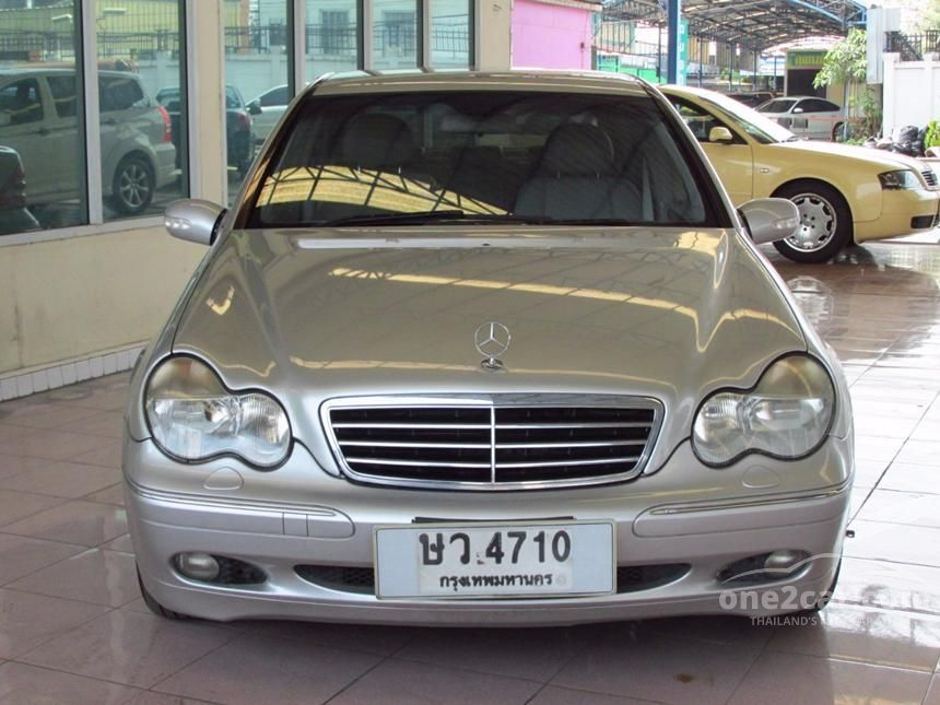 2004 Mercedes-Benz C180 Kompressor Elegance Sedan