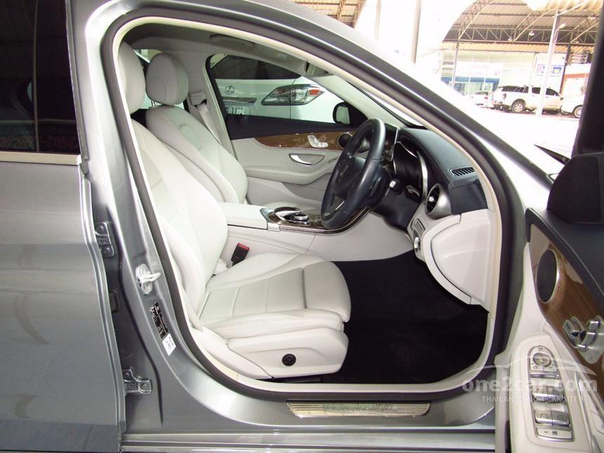 2016 Mercedes-Benz C180 Sedan