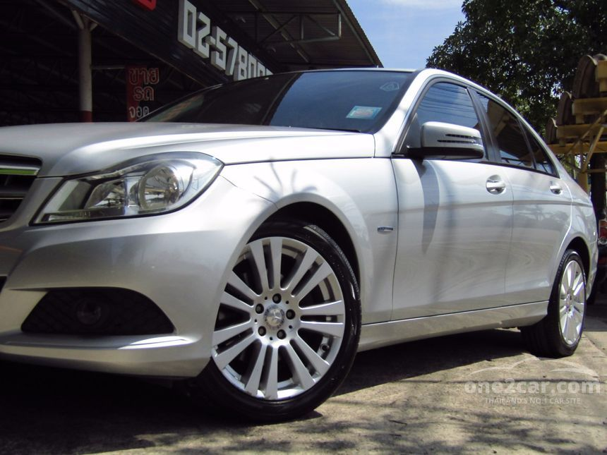 2012 Mercedes-Benz C200 Elegance Sedan