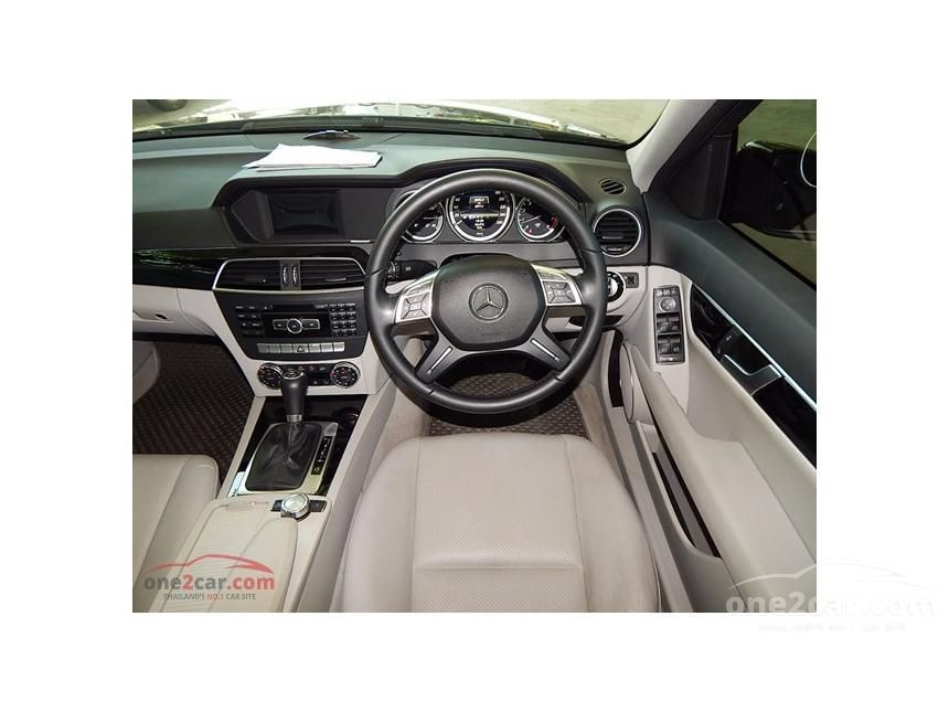 2014 Mercedes-Benz C200 Sedan