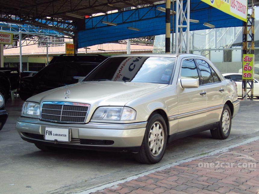 2000 Mercedes-Benz C220 Elegance Sedan