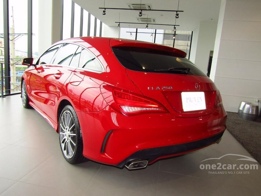 2015 Mercedes-Benz CLA250 AMG Shooting Brake Wagon