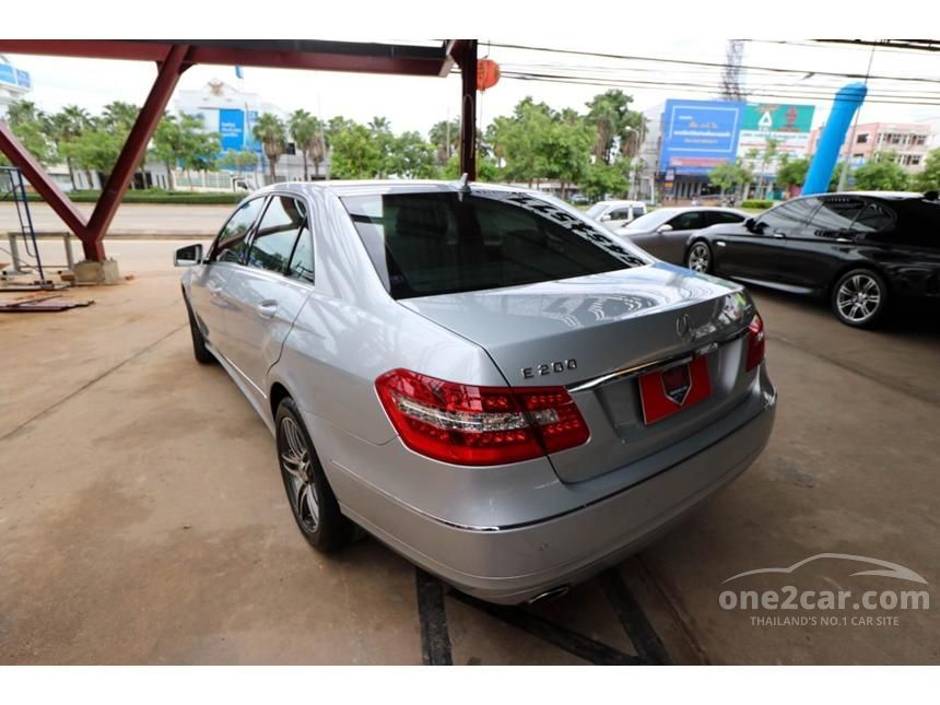 2012 Mercedes-Benz E200 CGI Elegance Sedan