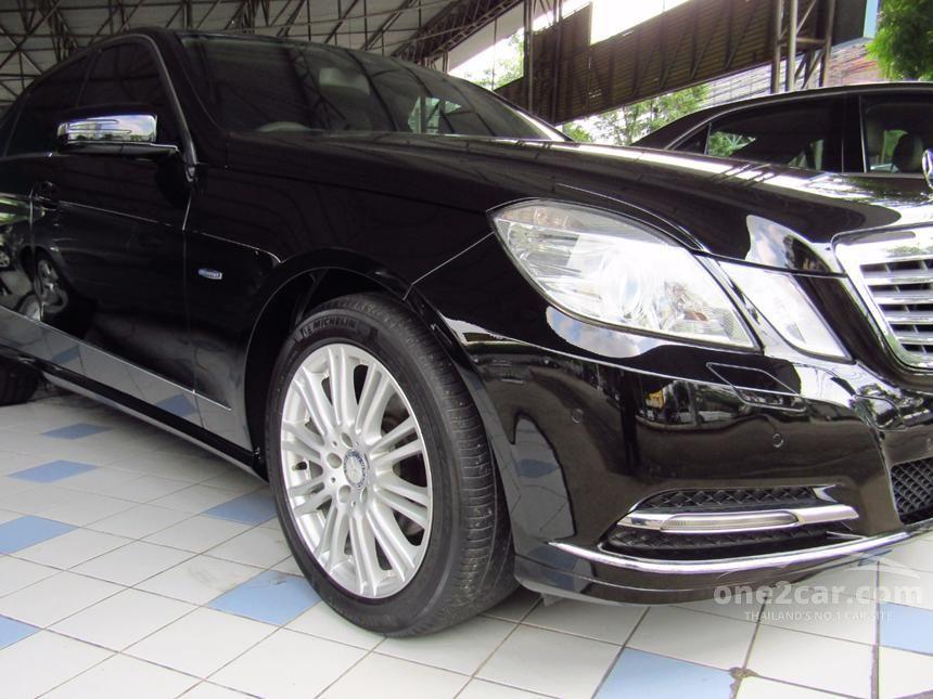2012 Mercedes-Benz E200 CGI Elegance Sedan