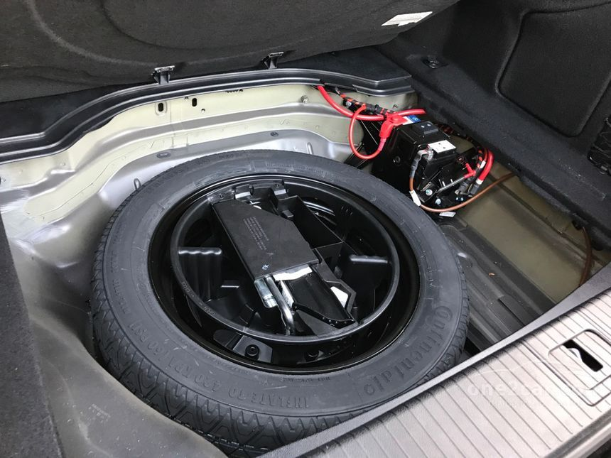 2014 Mercedes-Benz E200 Executive Sedan
