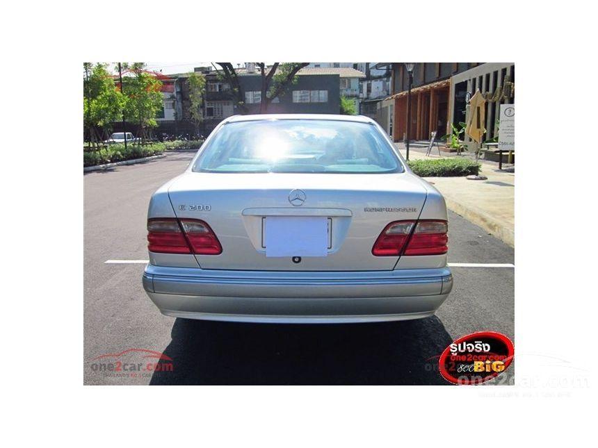 2001 Mercedes-Benz E200 Kompressor Sedan