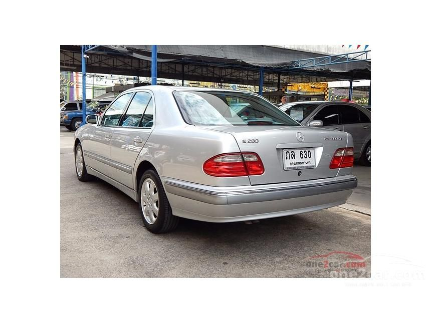 2001 Mercedes-Benz E200 Kompressor Sedan