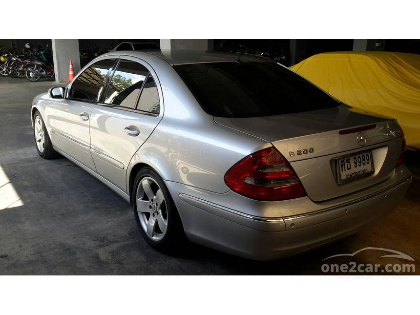 2005 Mercedes-Benz E200 Sedan