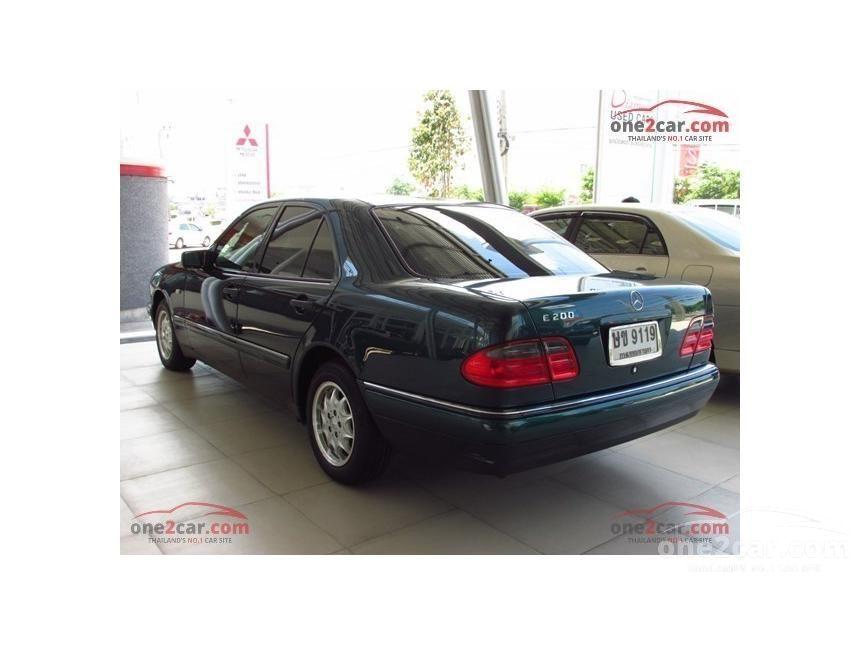 1997 Mercedes-Benz E200 Sedan