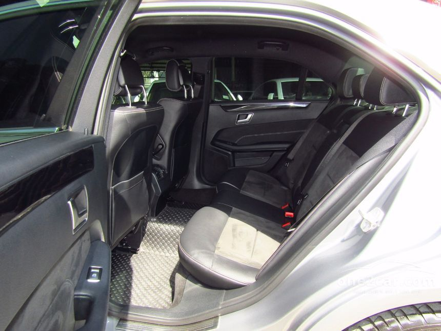 2013 Mercedes-Benz E220 CDI Avantgarde Sedan