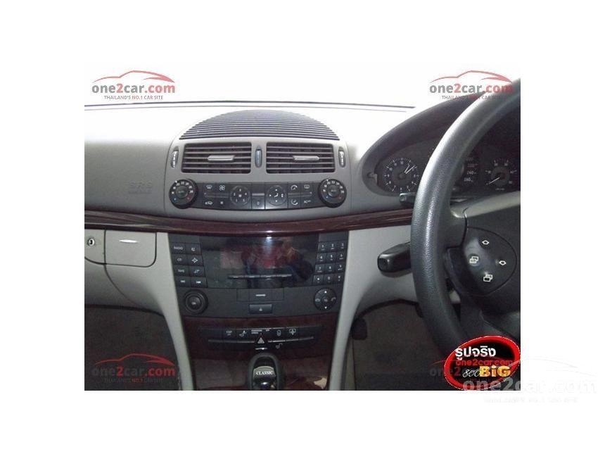 2004 Mercedes-Benz E220 CDI Classic Sedan