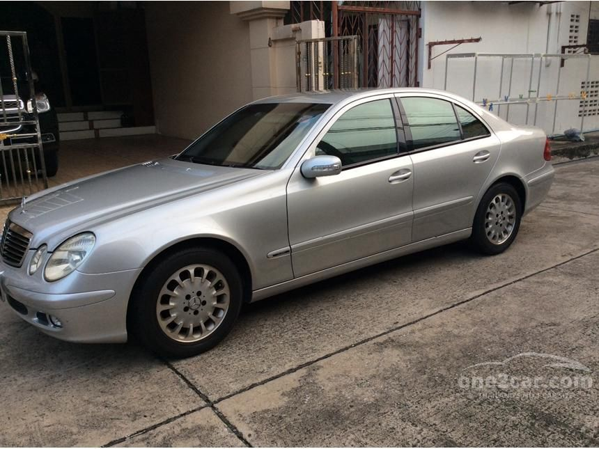 2005 Mercedes-Benz E220 CDI Classic Sedan
