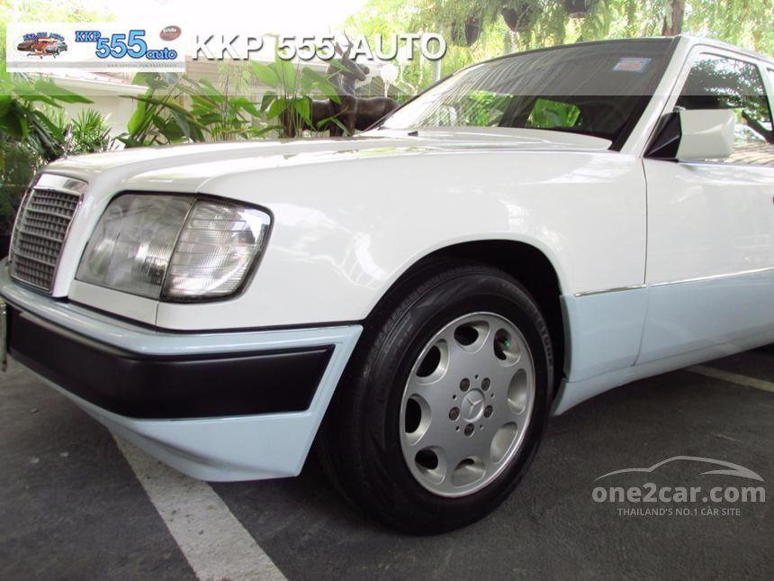 1996 Mercedes-Benz E220 Sedan