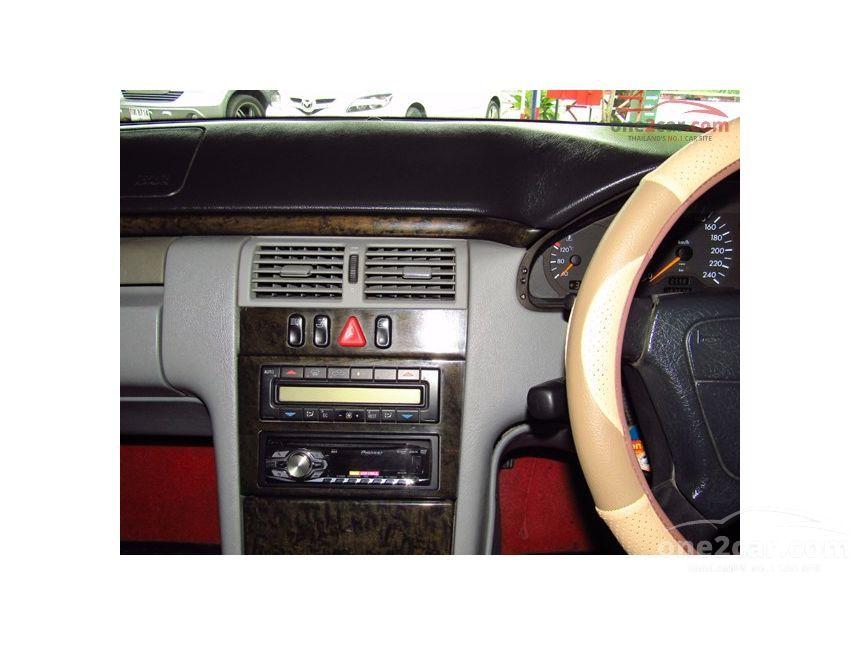 1997 Mercedes-Benz E230 Avantgarde Sedan