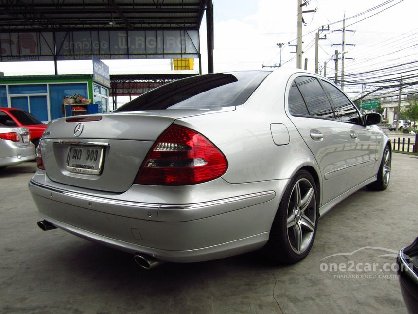 2003 Mercedes-Benz E240 Avantgarde Sedan